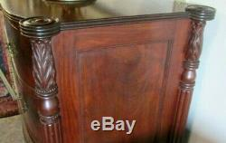 Antique Bowfront Sheraton Salem Style Flame Mahogany Chest Of Very High Quality