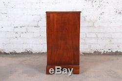 Baker Furniture Georgian Mahogany Four-Drawer Bachelor Chest or Commode