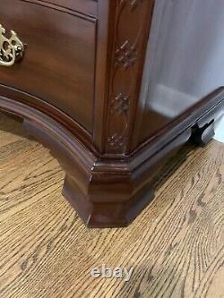 Baker Historic Charleston Mahogany Chippendale Style Serpentine Chest (EXC.)