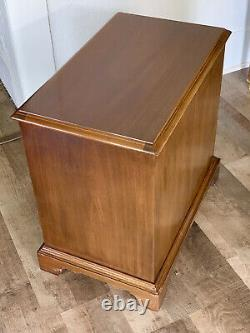 Hickory Chair Co. Chest of Drawers James River Collection Mahogany Nightstand