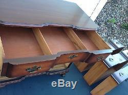 Kindel Blockfront 4 drawer Chest Mahogany