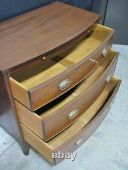 Mint Vintage Kittinger Hepplewhite Bow-Front Mahogany 3 Drawer Chest with Pull Out