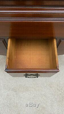 Queen Anne Mahagony Highboy Dresser Chest by Davis Cabinet Company in 1942