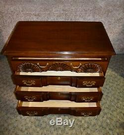 Vintage Harden Solid Mahogany Block Front Goddard Style Bachelors Chest