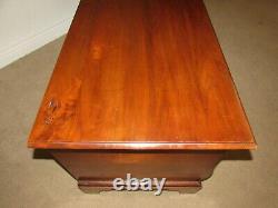 Vintage Mahogany Cedar Trunk, Chest, Storage, Hope, Blanket Chest